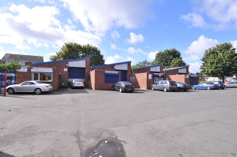 Two Woods Trading Estate  - Industrial Unit To Let - Two Woods Trading Estate, Brierley Hill