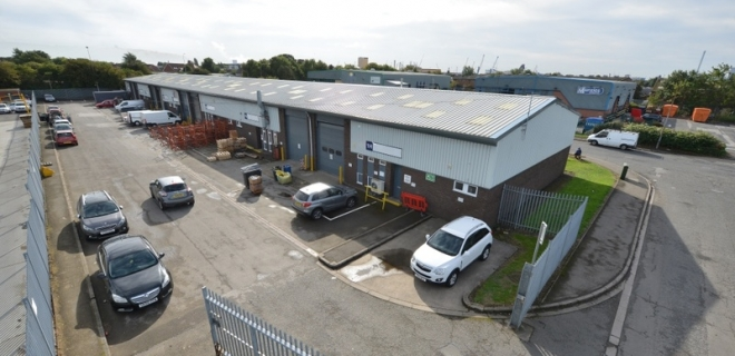 Industrial Unit To Let -  Marfleet Lane Industrial Estate
